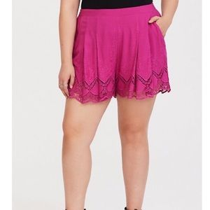 Torrid Rose Pink Scallop Shorts Size 4 (4X)
